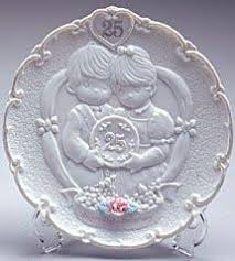 25th anniversary plate precious moments 25th anniversary plate w stand oasis supply