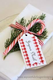 Commercial Christmas Table Decorations by 25 Candy Cane Crafts Diy Decorations With Candy Canes