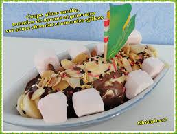 coupe banane cuisine coupe glace vanille tranches de banane et guimauve sur sauce