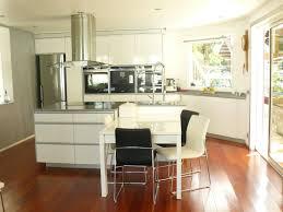 cuisine sol parquet parquet dans la cuisine deco cuisine ambiance avec meubles