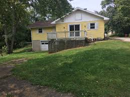 ranch style home offering 3br 1ba u0026 1 car attached garage with