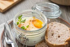 cocotte cuisine œufs cocotte à la coppa tomate cuisine addict cuisine addict