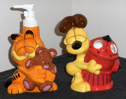 sold out garfield the cat odie dog bath accessories set soap