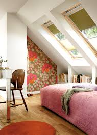 Schlafzimmer Richtig Abdunkeln Plissees Rollos Jalousien Für Sichtschutz Und Verdunkelung