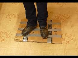 how to make an anti fatigue standing mat using a cardboard box