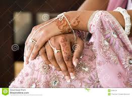 bride u0027s hand with henna tattoo indian wedding stock images