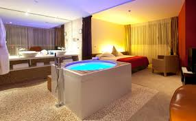 hotel avec dans chambre chambre d hôtel avec jaccuzi intérieurs inspirants et vues