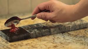 installer un comptoir de cuisine comptoir de cuisine en granit naturelle simard cuisine et