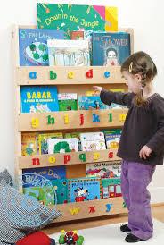 childrens book shelves 14 best prinsessen kinderkamer images on pinterest