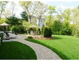 Landscape Mounds Front Yard - the 25 best landscaping berm ideas ideas on pinterest juniper
