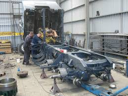 new kenworths installing new frame rails in a kenworth truck more pics in