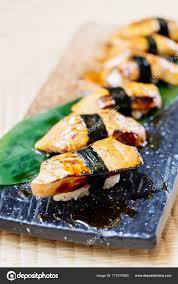 jeu de cuisine sushi jeu de sushi de foie gras photographie mrsiraphol 171974560