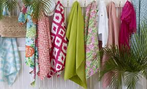 lilly pulitzer releases wallpaper and textiles for lee jofa