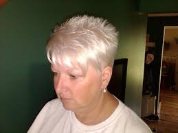 haircuts with bangs for middle age women elegant shag for middle aged women spiky bangs back medium hair