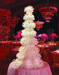 beautiful wedding cakes how to choose the best beautiful wedding cake weddings magazine