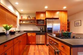 cleaning kitchen cabinets with vinegar how to clean kitchen cabinets vinegar beautiful cabinet cabinet