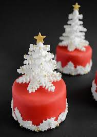 Christmas Cake Decorations Snowflakes by 45 Snowflakes Inspiration Favorite Christmas Decorating Ideas