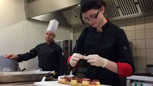 cap cuisine poitiers une élève de bac pro de poitiers se prépare pour le concours des