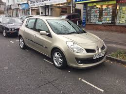 renault clio 2006 renault clio privilege dci 106 2006 gold 5 door hatchback in