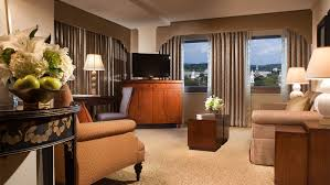 Elegant Decor New Haven Suites Accommodations Omni New Haven At Yale