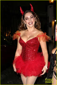 halloween devil costumes kelly brook shows off her horns for halloween party photo 3231933