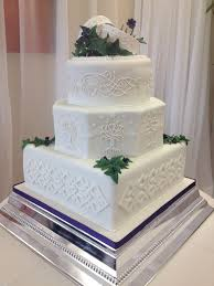 lord of the rings inspired wedding cake inspiration for base tier