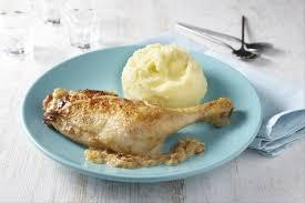cuisiner cuisse de poulet recette de cuisse de poulet à la crème d échalote purée grand chef