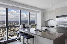 3 bedroom apartment adelaide condo hotel meriton suites adelaide street brisbane australia