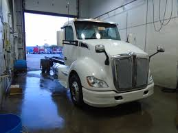 new kenworth t680 for sale new 2017 kenworth t680 day cab avec transit 28 pied déménagement