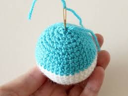 to crochet ornaments