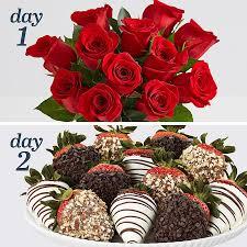 Decorative Ways To Cut Strawberries Flowers And Strawberries From 44 98 Shari U0027s Berries