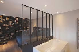 salle de bain dans une chambre salle de bain verriere baignoire et chambre concept bain