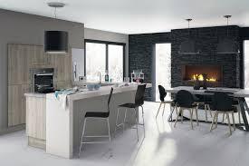 deco salon cuisine ouverte bar sympa cheminée manger salle et nouvelle cuisine