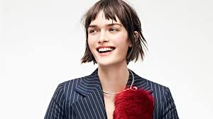 can a blow dried bob look cool one vogue editor masters her