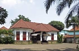 file colonial house in bandung jpg wikimedia commons