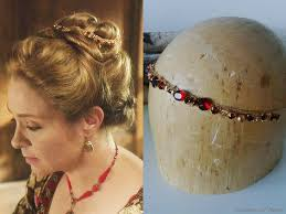 reign tv show hair beads kenna caitlin stasey wears this faceted glass swarovski crystal
