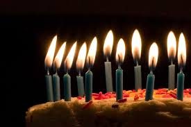 birthday candle file blue candles on birthday cake jpg wikimedia commons