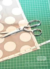 how to make a table runner with pointed ends to sew a table runner a z series t the ribbon retreat