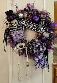 Halloween Decorations Skeleton Bones by Best 25 Halloween Skeletons Ideas On Pinterest Halloween