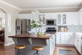 kitchen makeovers with cabinets 6 kitchen makeovers that benefited from refaced cabinets