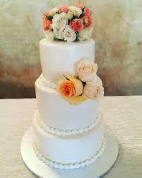 wedding cake on a budget wedding cakes with a budget that s the cake bakery