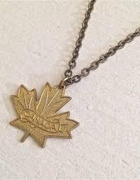necklace vintage images Vintage maple leaf necklace jacq 39 y jaye 39 s boutique espresso bar jpg