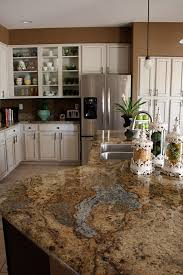 choosing granite countertop colors for cherry wood cabinets