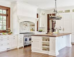 White Kitchens With Islands by Best 25 Traditional White Kitchens Ideas Only On Pinterest