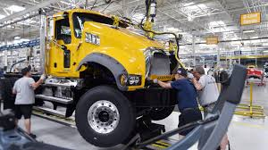 volvo track my order truck market recovering mack u0027s 1q deliveries decline but orders