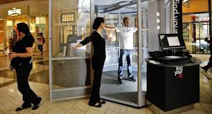 virtual fitting rooms changing the clothes shopping experience