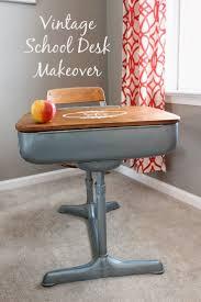 Small Vintage Desks by Best 25 Vintage Desks Ideas Only On Pinterest