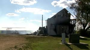 Barn Fires Strong Winds Make Long Grove Barn Fire Difficult To Fight Wqad Com