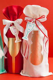 wine bottle gift bags how to make a no sew felt wine bottle gift bag