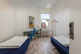 rooms that can accommodate up to 6 persons city sleep in